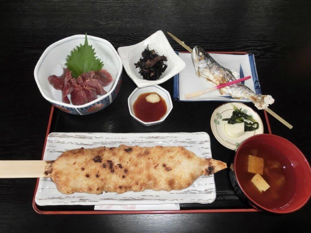 御幣定食(馬刺し付き)道の駅千石平_s