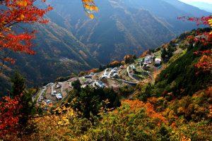 日本のチロル下栗の里にて休憩