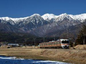 中央アルプスと飯田線の電車